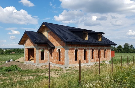 Doriți să cumpărați o casă la roșu ? Atenție la detalii .